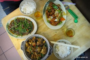 Essen im kleinen Restaurant