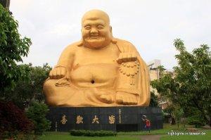 großer goldener Buddha